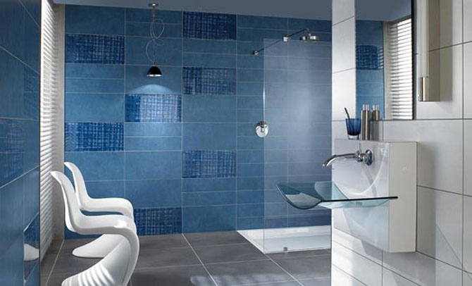 model keramik kamar mandi warna biru tipe rumah minimalis