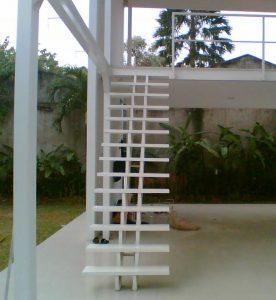 Desain Tangga Rumah Minimalis Dalam Rumah Yang Elegan
